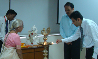 Workshop on 'Dynamic IT with Cloud Computing, Virtualization and Collaboration'