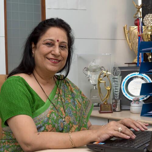 Dr. Tandon Sangeeta Pradeep