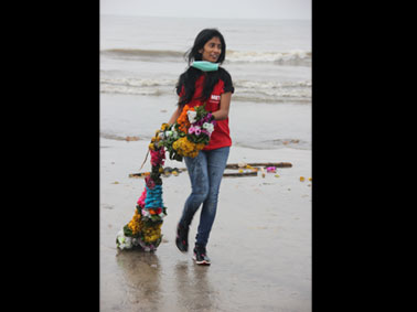 MET MMS Beach Cleanup Drive for a Swachh Bharat