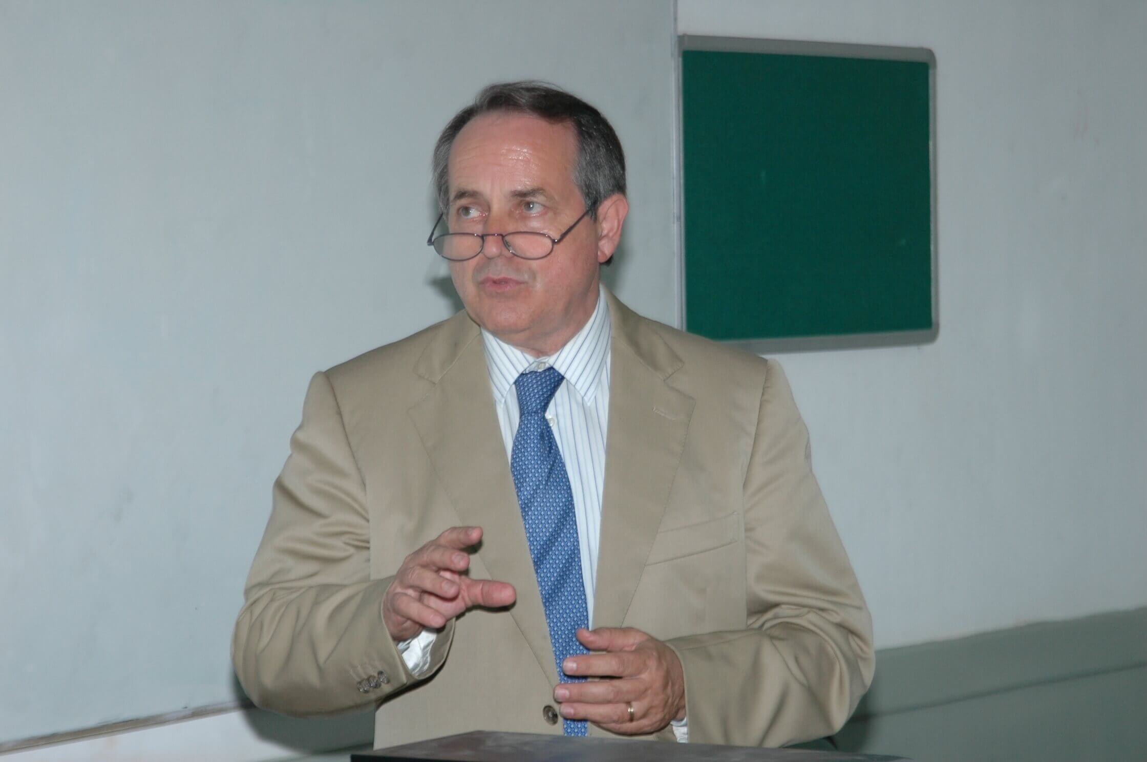 Prof Toribioon